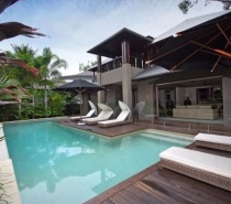 26 Beachfront Mirage - Luxury Holiday House